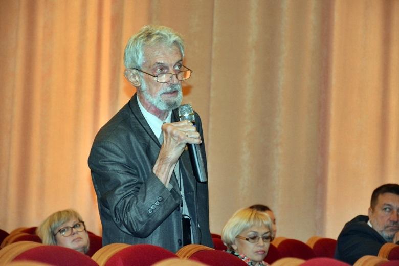 общественность с Победы поднимала градус публичной критики чиновников