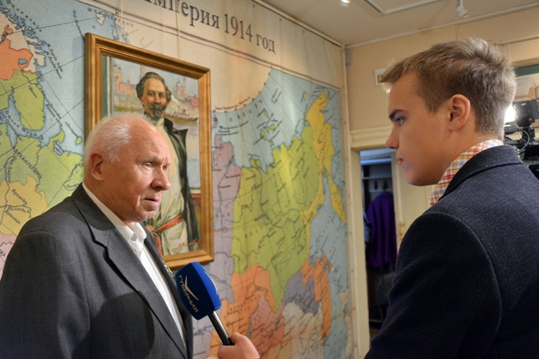 внук Челышева дает интервью самарскому ТВ