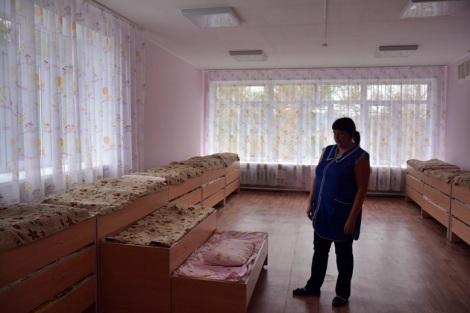 а эти постельки удобно собирать, чтобы освобождать помещение (вот, что в саду Кошелева надо было ставить)