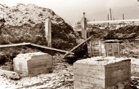 . Мощные бетонные опоры вместе со сваями также стали основой фундамента дворца спорта.