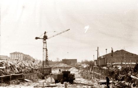 . Стройка в октябре 1965 г. начиналась так.