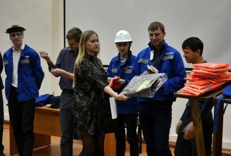 победители выиграли сумки для ноутбуков