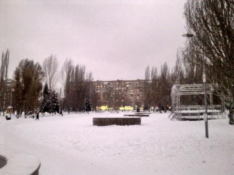 центральная площадь парка пустая