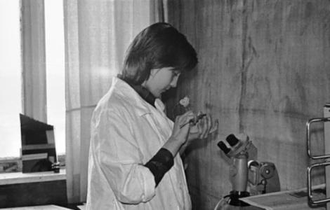 Ирина на лабораторных работах