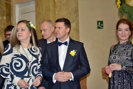 мистер Schneider Electric 2016 Игорь Орешков в окружении дам
