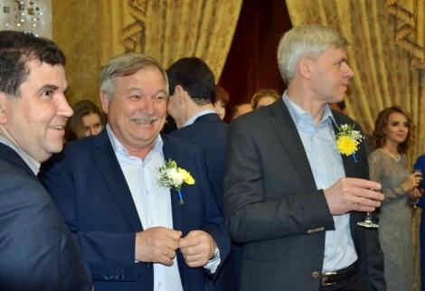 Александр Рафиков были названы героями компании