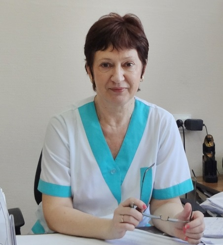 ее знает Толевый и не только - заведующая поликлинического отделения №1 СГП№13 Людмила Евстигнеева