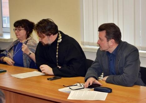 священники из Самары хотят пообщаться с коллегами по цеху по телемосту, чтобы там не было политики