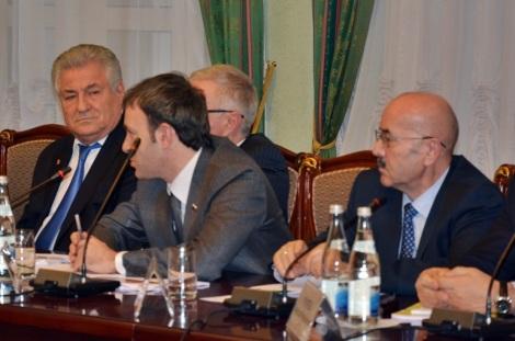 Евгений Серпер добавил в обсуждение свои пять копеек